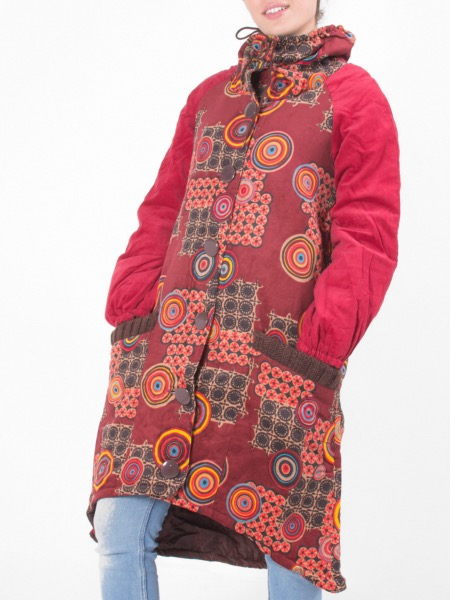 Manteau long en velours bordeaux à motif coloré baba cool