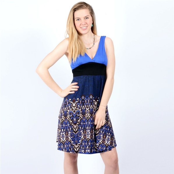 Robe bleue au style pin-up à motif baroque