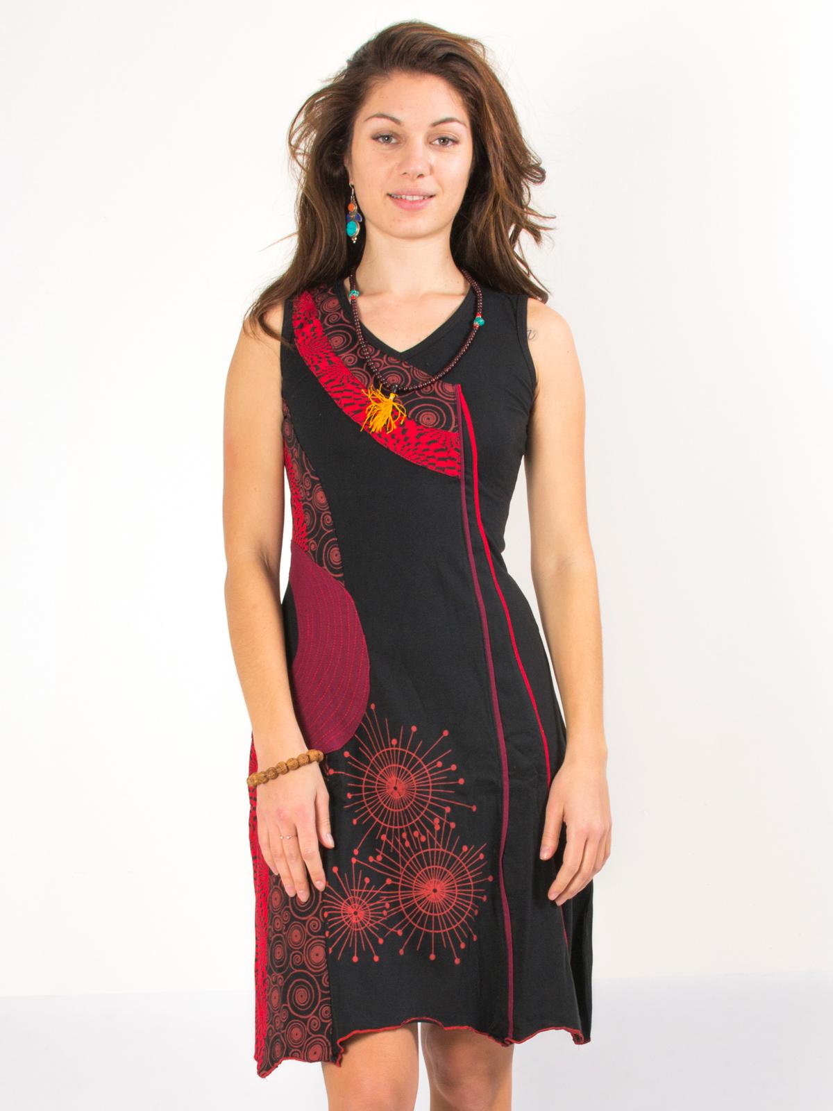 Rouge Aux Robe Noire Motifs Et 1fjtlc3ku Psychédéliques PkiOXTZu