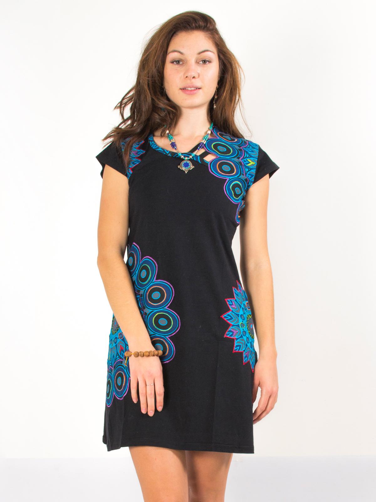 fa727fd9fb8 Robe noire ethnique col original plume de paon